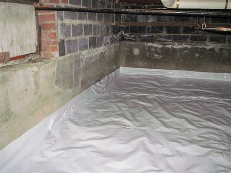 4 major reasons for your crawl space leaking in flint mi