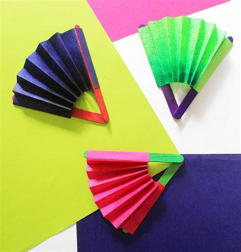 make paper crafts 25 best ideas about paper fans on paper