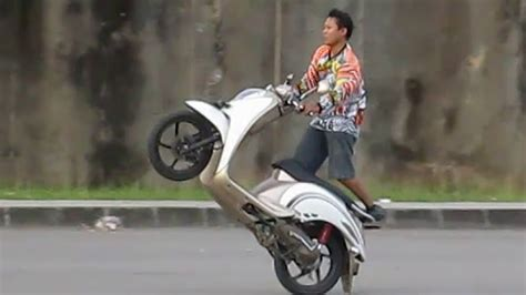 Modifikasi Motor Matic Untuk Freestyle by 88 Modifikasi Scoopy Trail Otomotif
