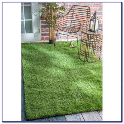outdoor grass rugs outdoor green grass rug rugs home design ideas amjgyxo9an
