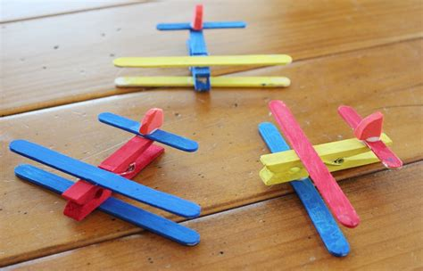 airplane craft projects 7 best airplane crafts for preschoolers craft airplanes