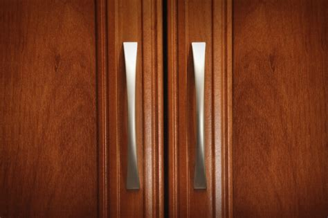 handles for kitchen cabinet doors how to select your cabinet knobs and pulls