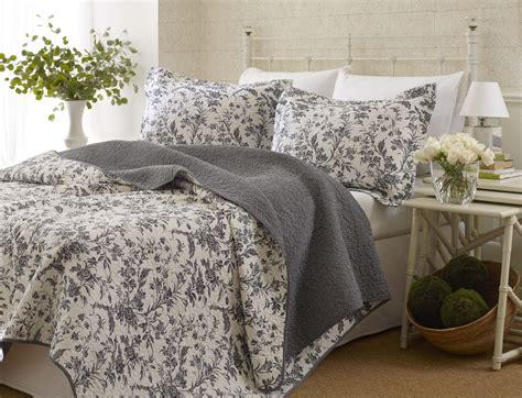 king quilt bedding sets amberley quilt set king black