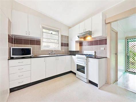modern l shaped kitchen designs modern l shaped kitchen design using tiles kitchen photo