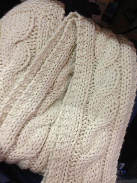 how to knit a cable scarf 17 best ideas about cable knit scarves on