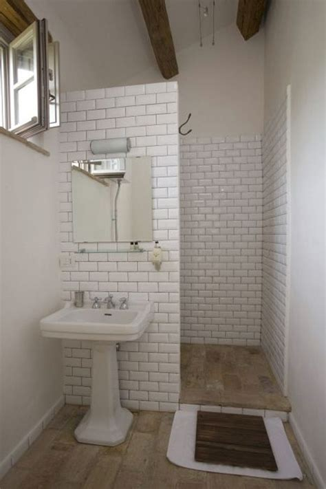 showers in small bathrooms best 25 simple bathroom ideas on simple