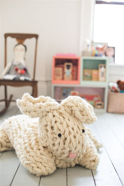 how to knit a bunny arm knit bunny from flax and twine pattern
