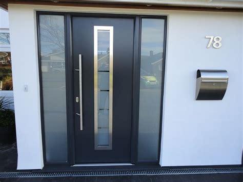 aluminium front doors uk best 25 aluminium doors ideas on wooden doors