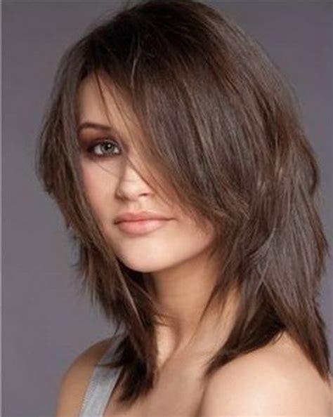 coupe de cheveux mi moderne