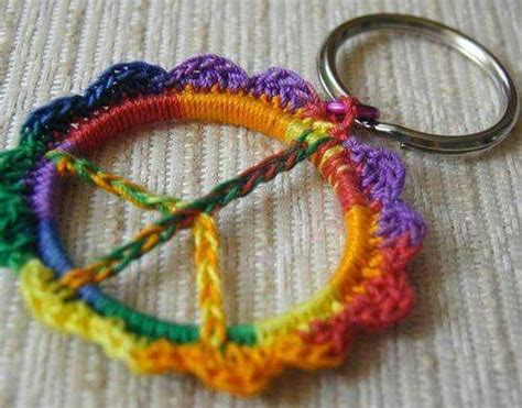 hippie crafts for american hippie diy craft peace sign crochet