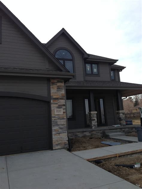 exterior house paint colors with black trim modern house exterior sherwin williams gauntlet gray and
