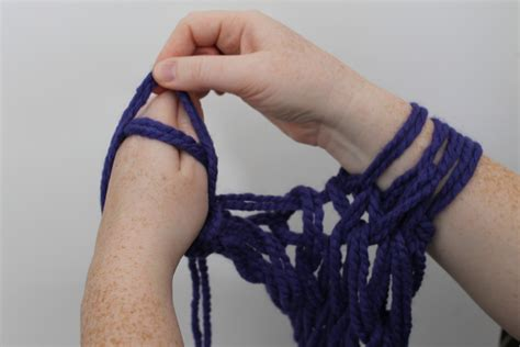 how to bind knitting a scarf arm knitting tutorial you ll fall in with this
