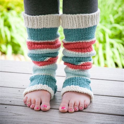 easy loom knitting projects 25 best ideas about loom knit on loom