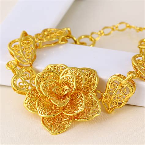buy gold for jewelry benefits of buying fashionable gold jewelry