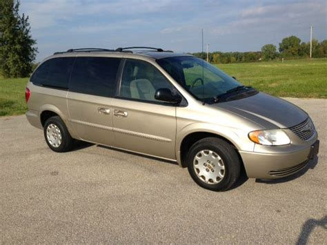 2002 Chrysler Town And Country by 2002 Chrysler Town And Country Lx Details Suamico Wi 54173