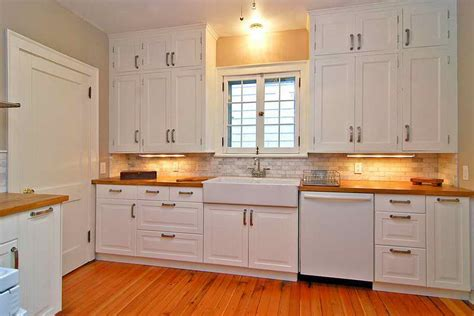 where to place knobs on kitchen cabinet doors the importance of kitchen cabinet door knobs for