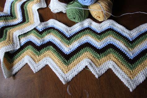 how to knit a zig zag blanket a ol zig zag afghan the sweatshop of