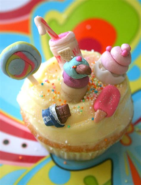 cupcakes and cupcake awareness oracle a reading with every