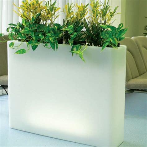 Gardener S Supply Company Solar Illuminated Planter Illuminated Indoor Outdoor Planters Modern Patio
