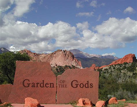 Garden Of The Gods Jaycee Plaza Park And Times Garden Of The Gods Visitor Center