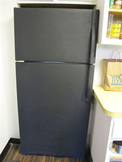 chalkboard paint in fridge 25 best ideas about painted fridge on fridge