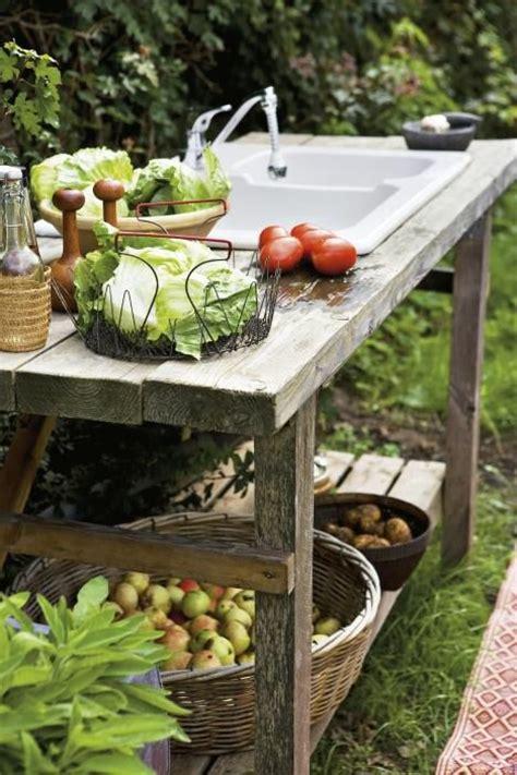 outdoor kitchen gardens 25 best ideas about outdoor sinks on outdoor