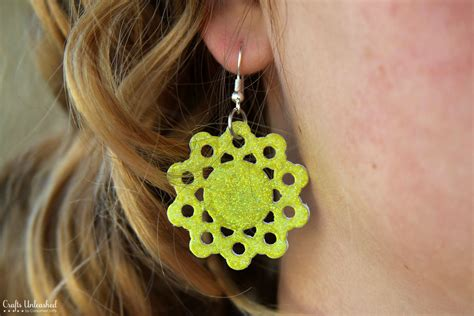 crafts made with paper how to make diy earrings out of paper
