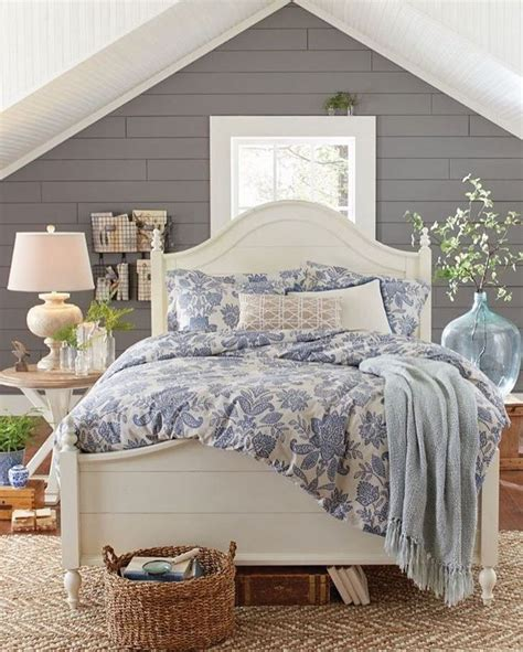 cottage bedrooms best 25 farmhouse bedrooms ideas on modern