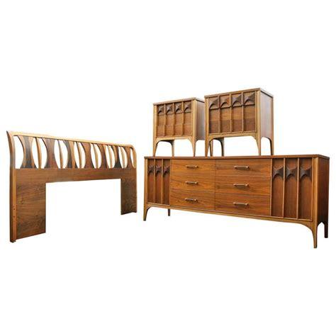 bedroom furniture kent kent coffey bedroom set at 1stdibs
