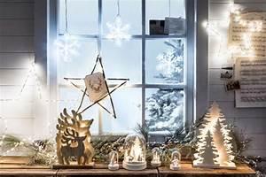 Haus Weihnachtlich Dekorieren : 1001 ideen zum thema fensterbank weihnachtlich dekorieren effektvolle dekoideen ~ Markanthonyermac.com Haus und Dekorationen