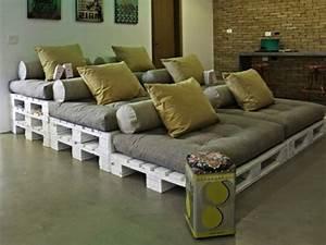 Bauanleitung Paletten Sofa : bett aus paletten 32 coole designs ~ Markanthonyermac.com Haus und Dekorationen