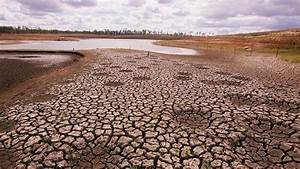 Australia Confronts Environmental Issues and Climate Change
