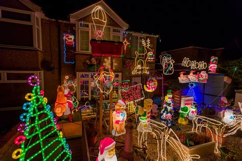 The Best Places To See Christmas Lights In Dover This Year
