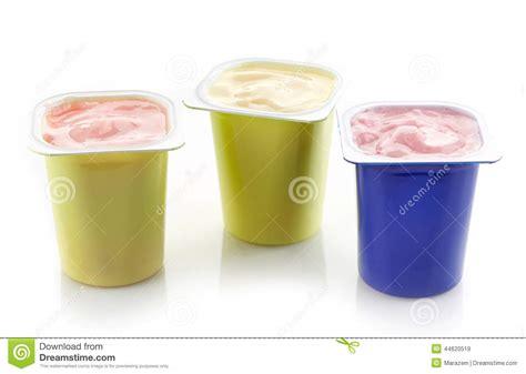 divers pots en plastique de yaourt photo stock image 44620519