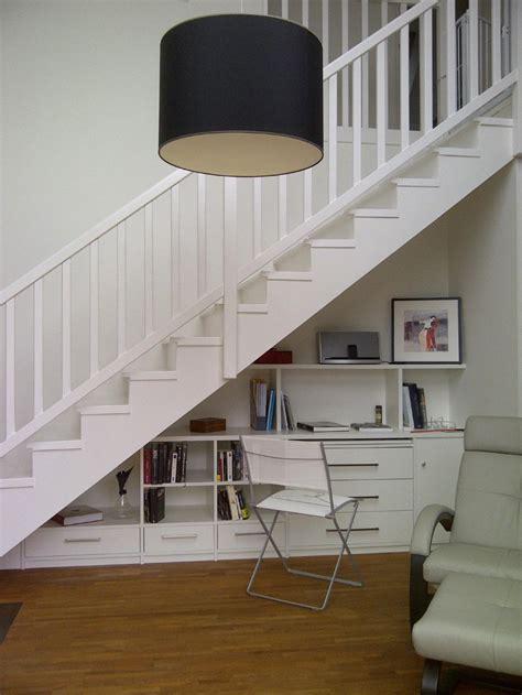 amenagement placard sous escalier gagner un espace