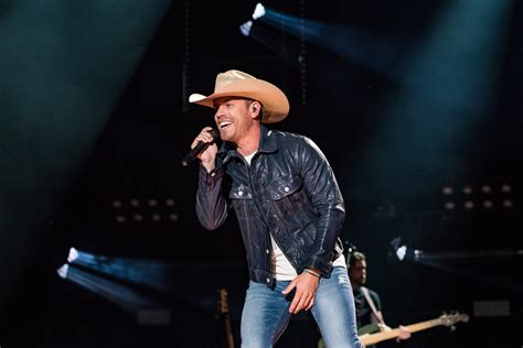 Dustin Lynch Knew 'good Girl' Had To Be Released For