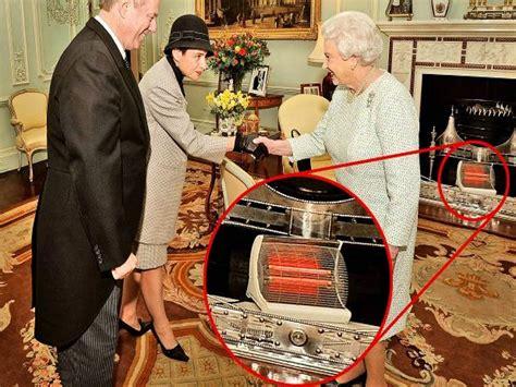 Room Map Maker Inside Buckingham Palace Apartments Queen Math Wallpaper Golden Find Free HD for Desktop [pastnedes.tk]