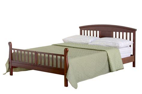 davinci elizabeth ii convertible toddler bed in cherry m0810c
