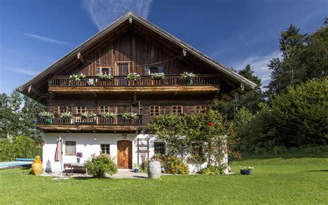 Bauernhaus In Alleinlage  Haus  Villa 298 M² In Puch Bei