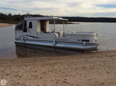 Little Pontoon Boat by 2006 Used Sun Tracker Party Hut 30 Pontoon Boat For Sale