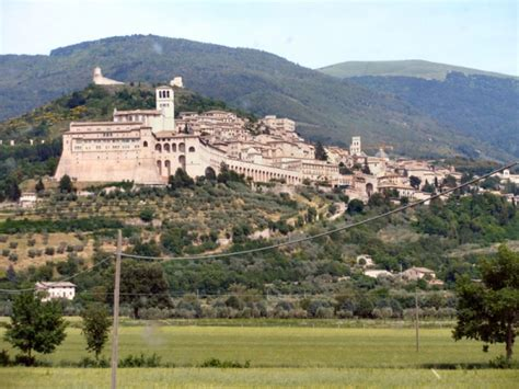 assisi travel guide things to do and see in assisi
