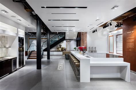 Home Showroom Pirch Opens In New York Old Kitchen Makeovers Transitional White Small Galley Layouts Thai Urban Cottage Sinks Laminate Cabinet Makeover Modern Traditional Kitchens Apartment