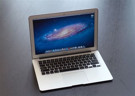 a closer look at the 11 13 the 2011 macbook air 11 13 inch thoroughly reviewed