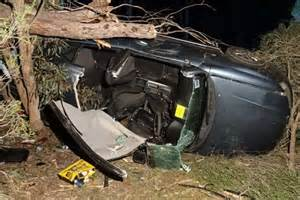 Wooroloo crash leaves woman dead after car hits tree - ABC ...