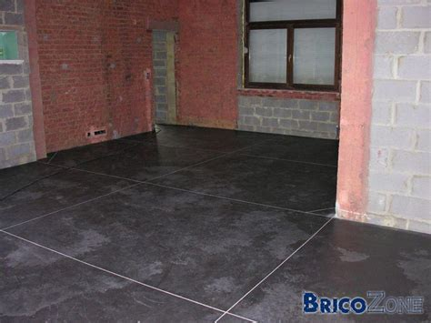 comment faire du beton cire awesome bton cir le revtement pour le sol les murs ou les plans de