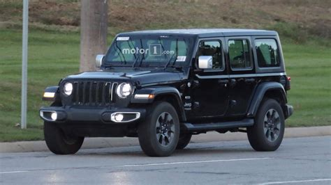 Entire 2018 Jeep Wrangler Lineup Photographed On Road [40