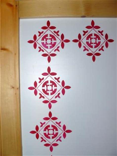 pin baroque motif on