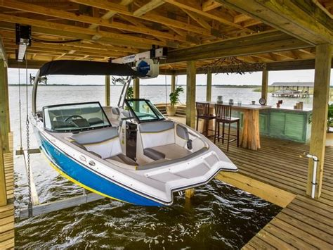 Boat Slip In Spanish by 30 Best Images About Boat House Dock On Pinterest Lakes