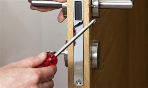 4 Diy Ways To Repair A Broken Door Lock  Smart Tips. American Sliding Door. Mini Cooper 4 Doors. Magnetic Cat Door. Garage Door Sections For Sale. Andersen Storm Door Lock. Clicker Garage Door Opener. Garage Door Replacement Cost. Whirlpool Double Door Refrigerator