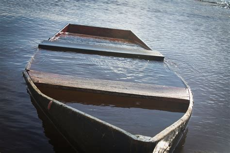 Pictures Of Sinking Boats by Are You A Fundraiser Or A Funds Depleter